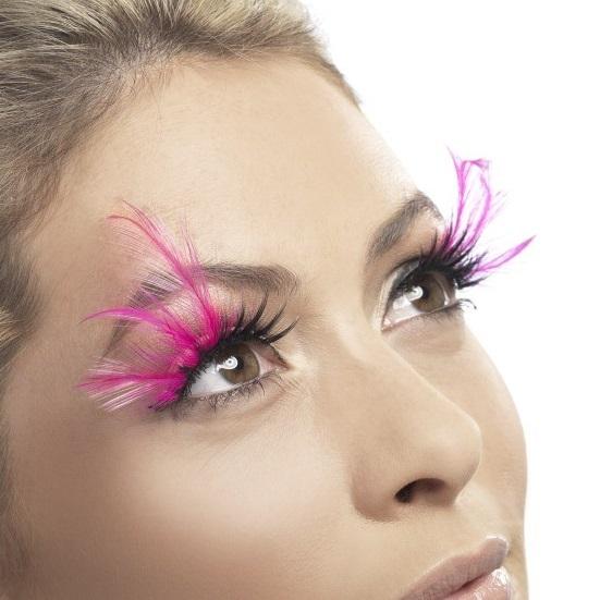 pestanas-rosas-con-plumas