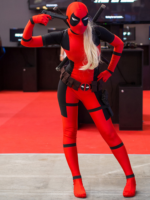 deadpool-cosplay-girl